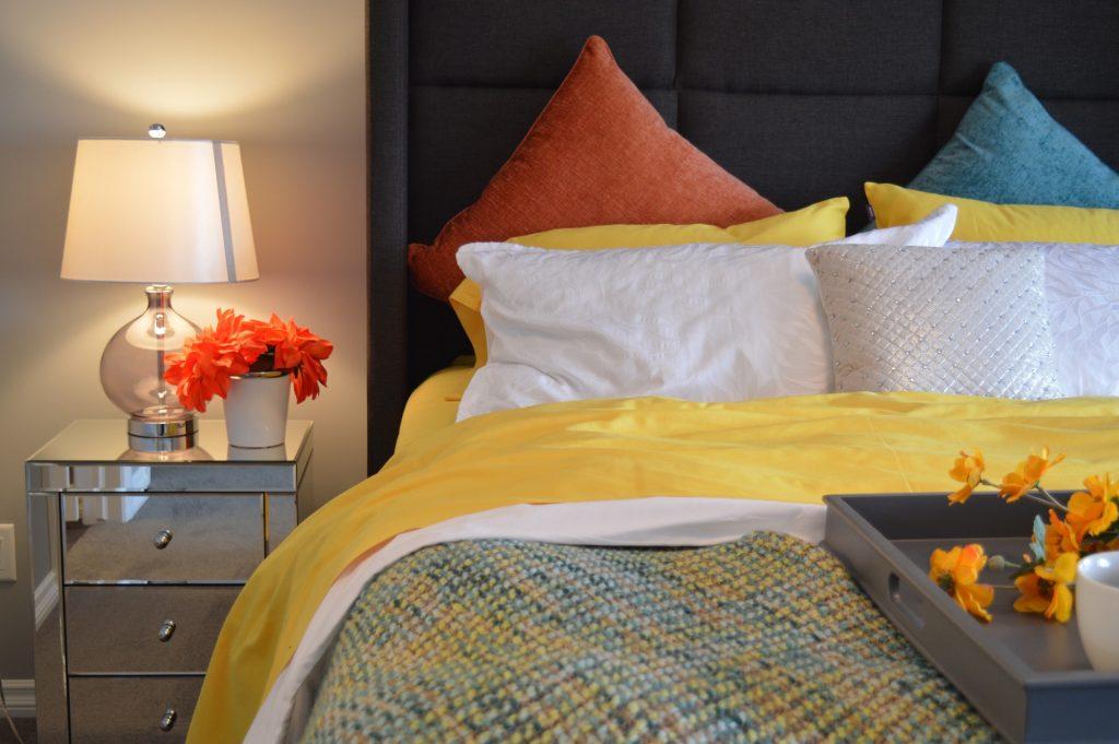 осветителни тела за спалня
